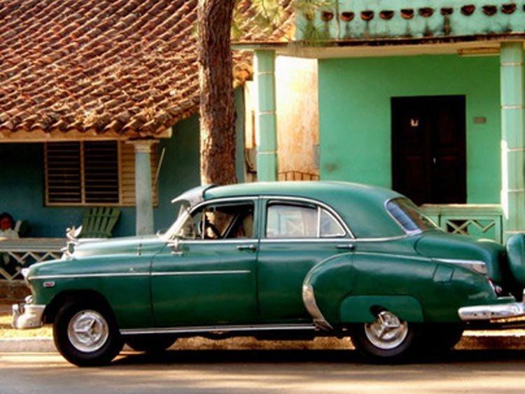 Met je oldtimer door Havana