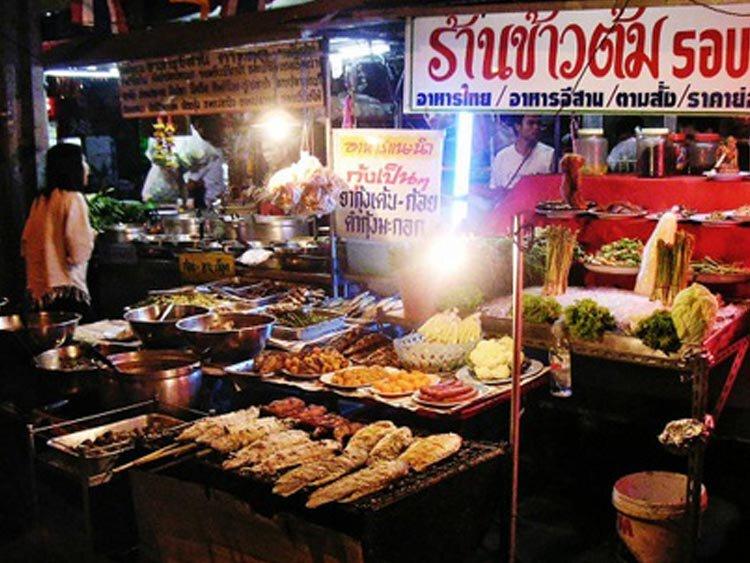Tuktuk Streetfood safari