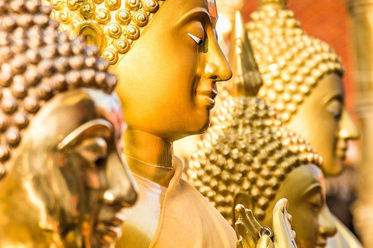 Boeddhabeelden in Wat Doi Suthep in Chiang Mai