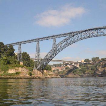 een van de vele bruggen over de Douro