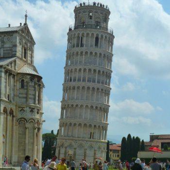 de scheve toren