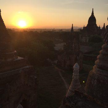 Zonsopgang in Bagan