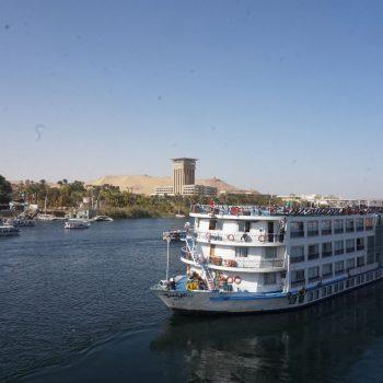 1 van de cruise schepen op de Nijl