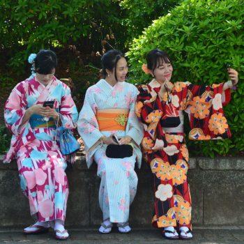 3 dames in kimono