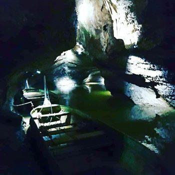 Bezoek de vele grotten