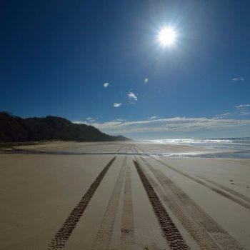 High way from Fraser Island grootste zandeiland ter wereld