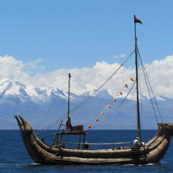 Rietboten in het titicaca meer