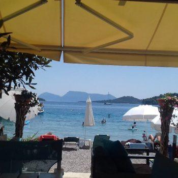 Uitzicht Madouri Beach Bar Perigiali
