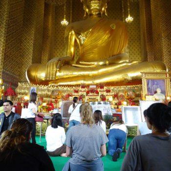 Eén van de vele buddha's