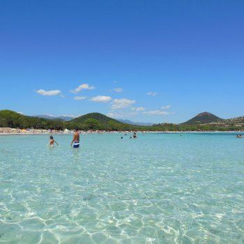 Een strand op Corsica