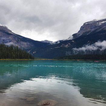 Prachtig blauw water bij Emerald Lake