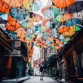 Kleurrijk straatje in Karaköy