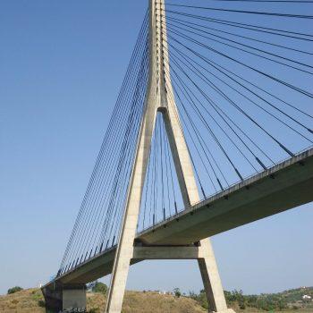 de brug over de rivier, grens tussen Spanje en Portugal