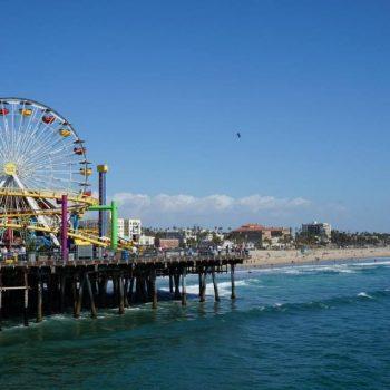 Kermis en uitzicht op Santa Monica pier