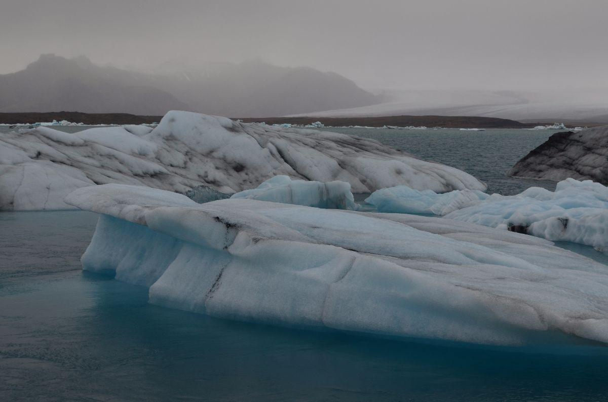 IJsschotsen bij Jökulsárlón meer.