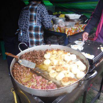 geweldige maaltijd op de markt van Otavalo