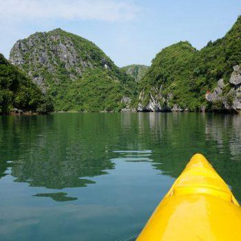 Kano door Ha Long Bay