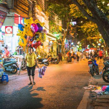 Ballonnenverkoper in Hanoi