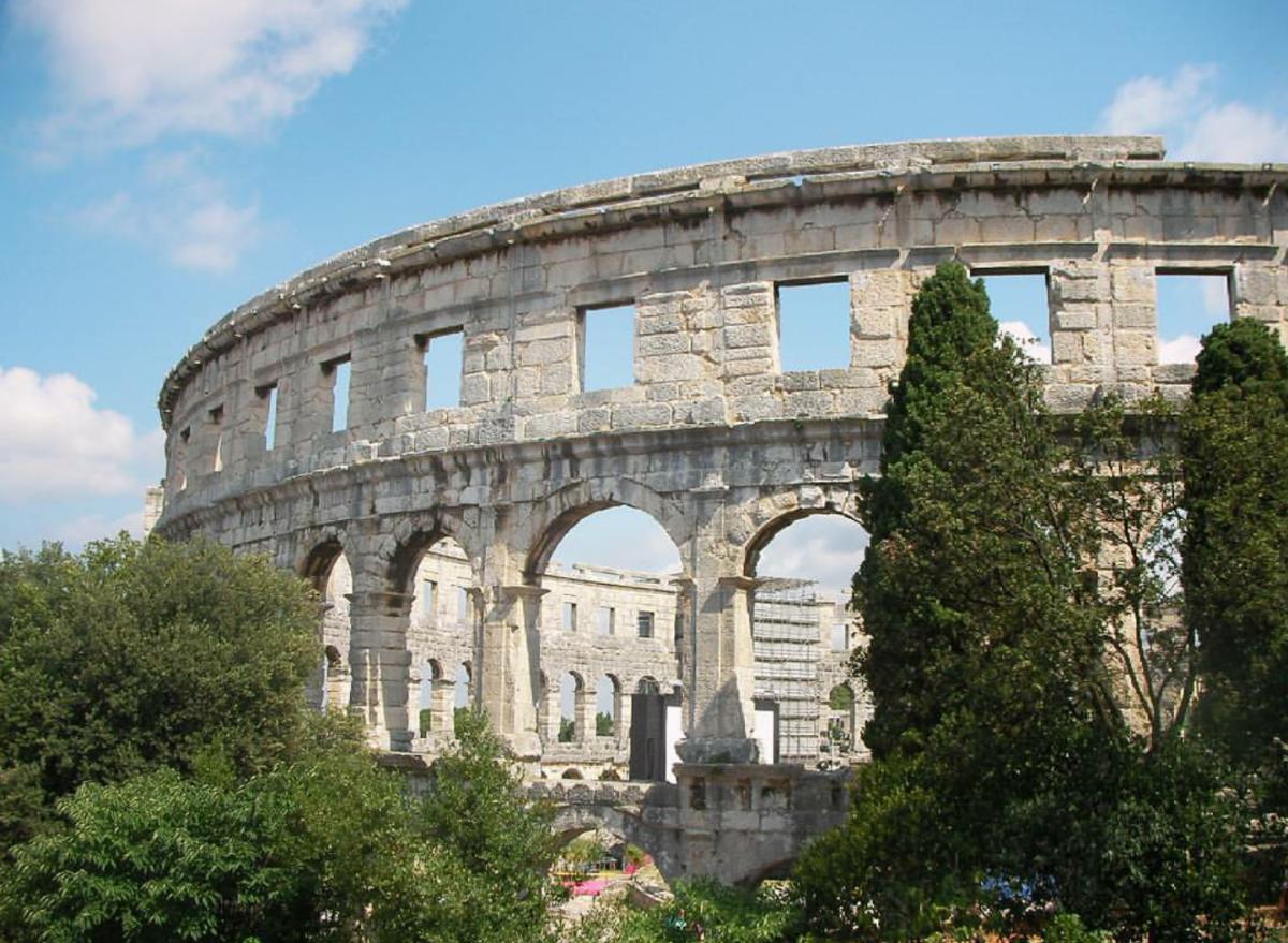 Amphitheatre Pula