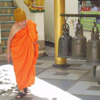 Monnik bij de Doi Suthep in Chiang Mai