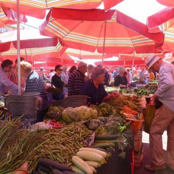 Op de lokale markt in Zagreb
