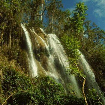 waterval in Topes De Collantes vlakbij Trinidad