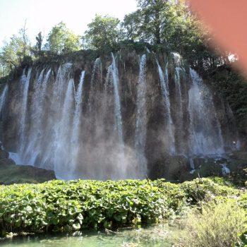 één van de vele watervallen in Plitvice