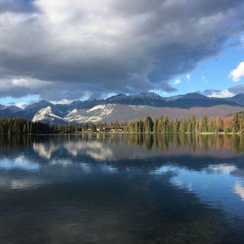 Een meer bij Jasper Town