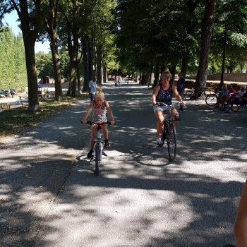 fietsen op de stadswal van Lucca