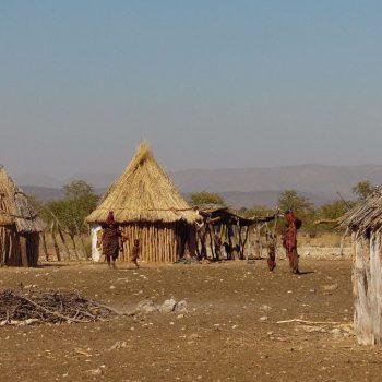 Himba dorp nabij Opuwo