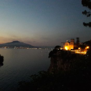 uitzicht van de Vesuvius in Vico Equense