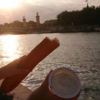 Stokbrood langs de Seine