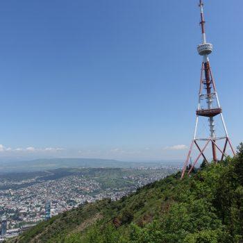 Uitzicht over Tbilisi vanaf Mount Mtatsminda