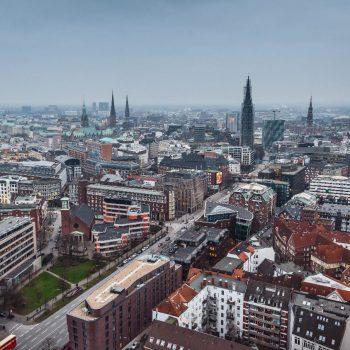Uitzicht over Hamburg