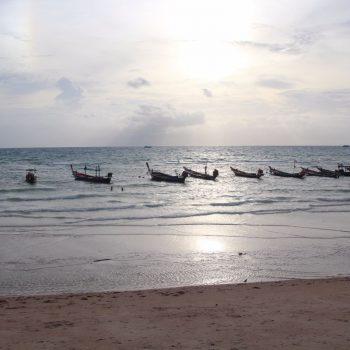 De typische Thaise bootjes op Koh Tao
