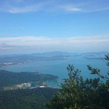 Uitzicht in de kabelbaan over Langkawi