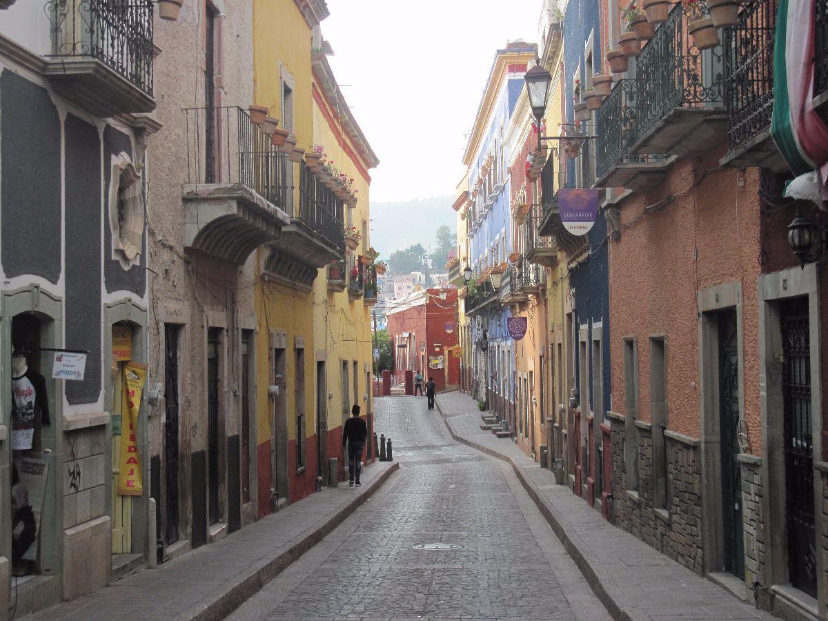 Rustige straat in het centrum van Guanajuato