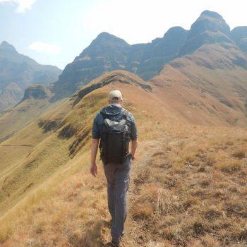 Wandelen naar Cathedral Peak