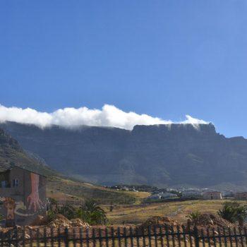 Tafelberg  fantastisch mooi zo net een tafelkleed erop