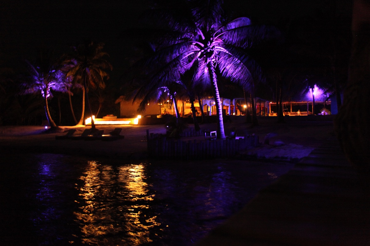 ons hotel by night