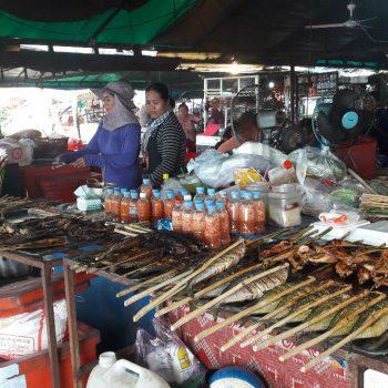 Vismarkt in Kep