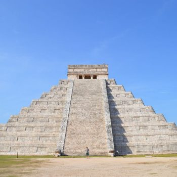 Chichen Itza, bezoek deze tempel 's ochtendsvroeg, zodat je voor de toeristenstroom al alles gezien hebt!