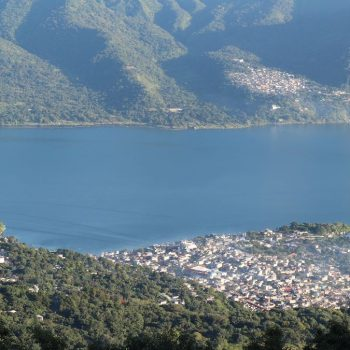Uitzicht vulkaan San Pedro/Lake Atitlan