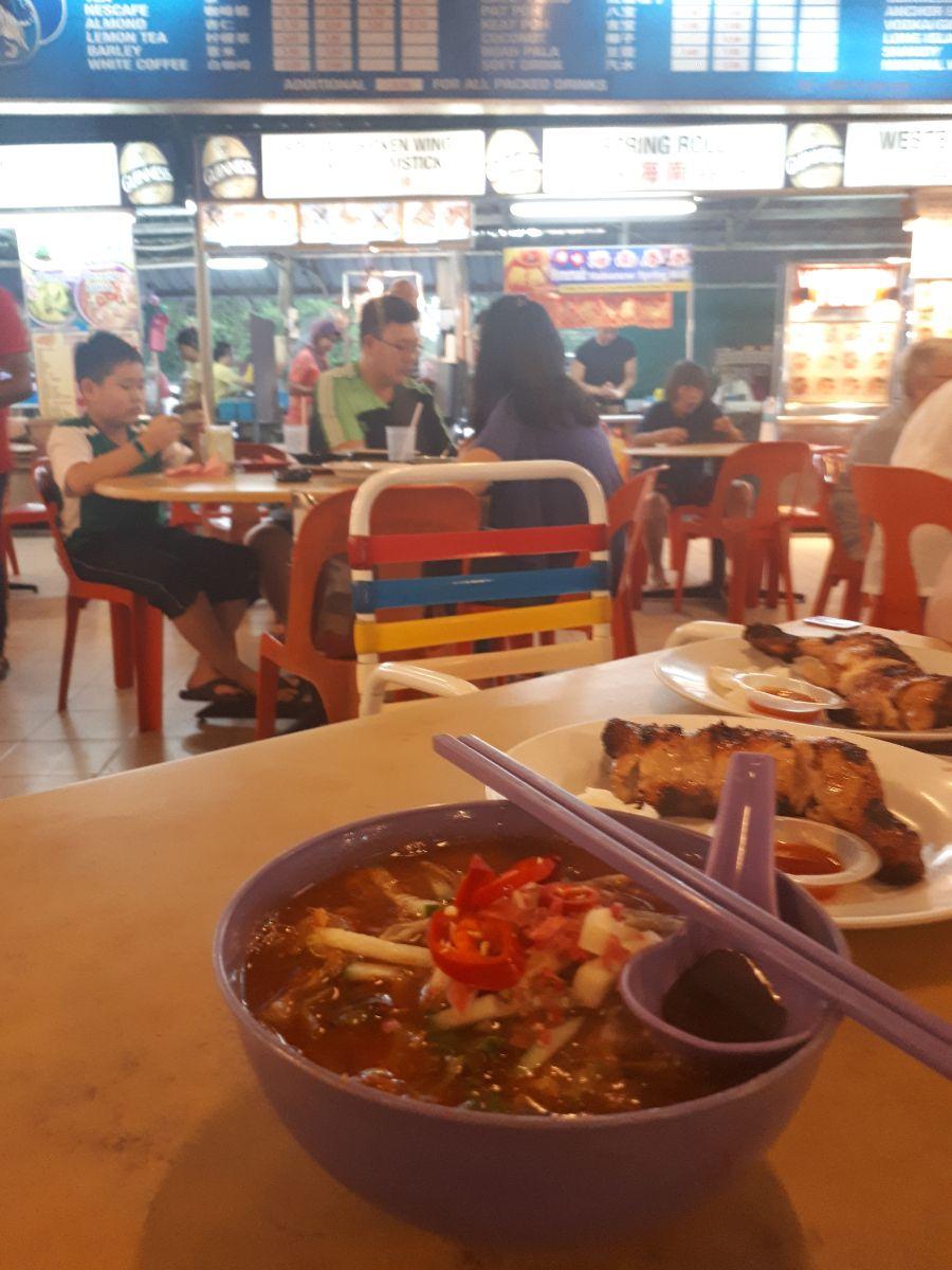 Penang laksa bij long beach café in batu ferringhi
