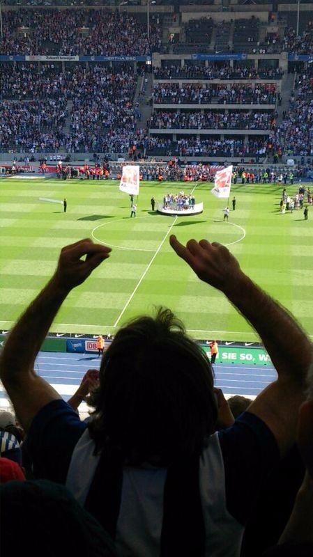 Een wedstrijd beleven tussen de echte Hertha BSC fans in het Olympisch stadion.