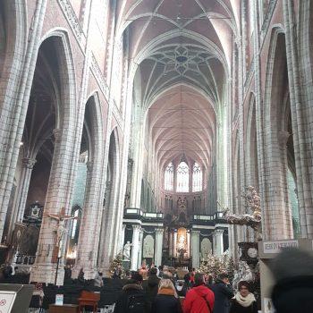 Mega grote en oude kerken