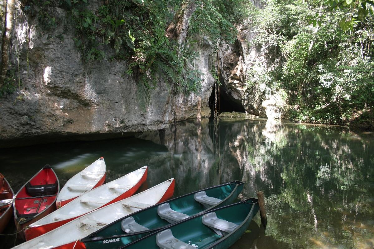 Barton Creek grot