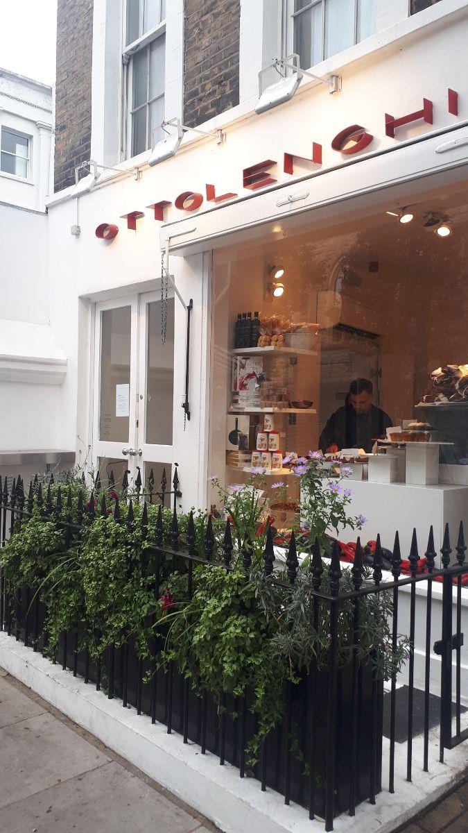 Ottolenghi etalage Notting Hill.