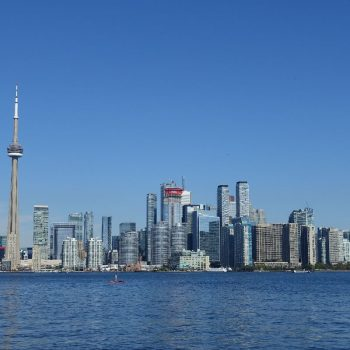 Uitzicht op de stad vanaf Toronto Island
