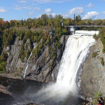 Waterval Montmorency in de buurt van de stad